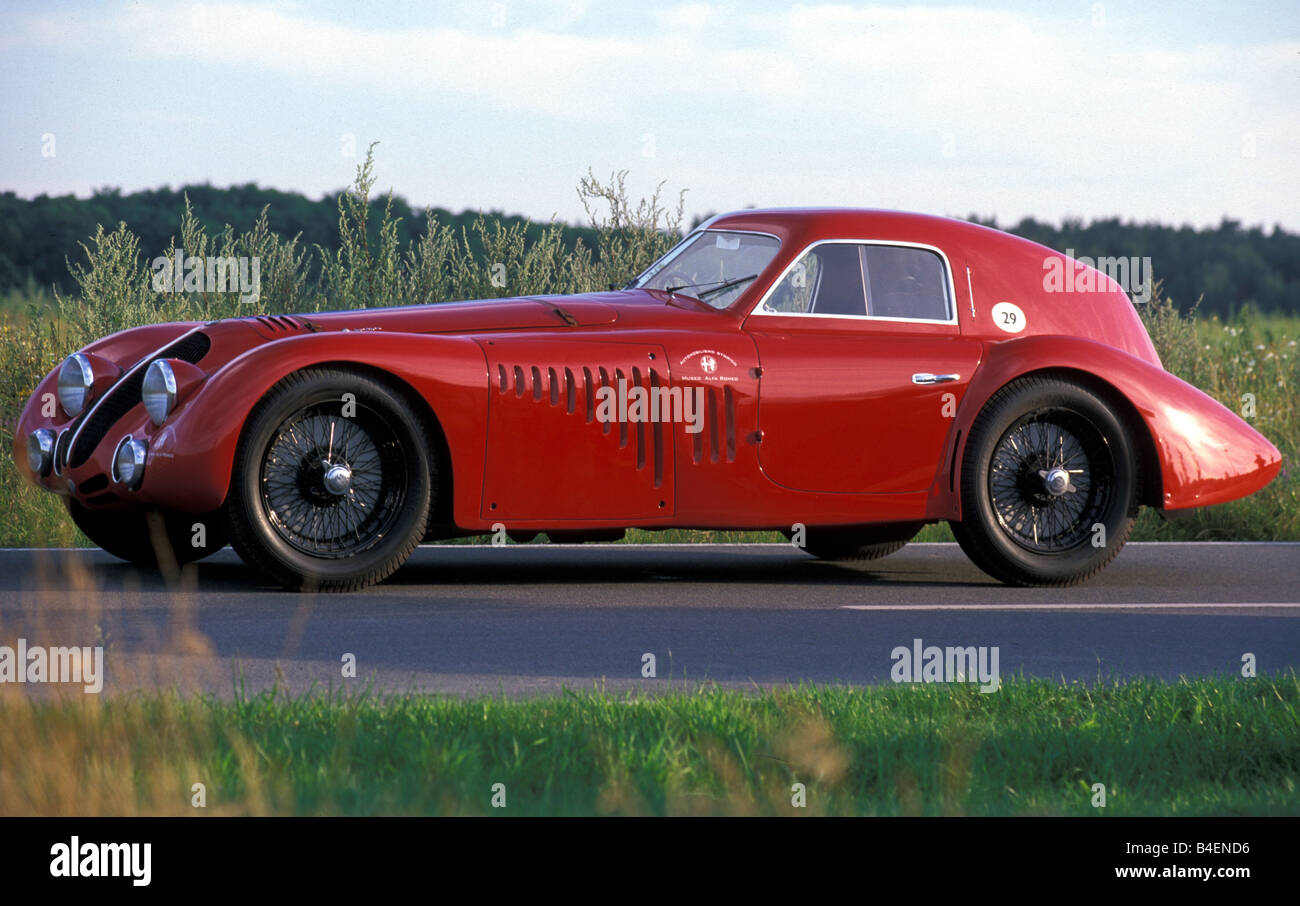 Marvelous Car, Alfa Romeo 8C 2900 B Touring Le Mans, Vintage Car, Model Year 1938,  1930s, Thirties, Red, Standing, Diagonal Front, Front V
