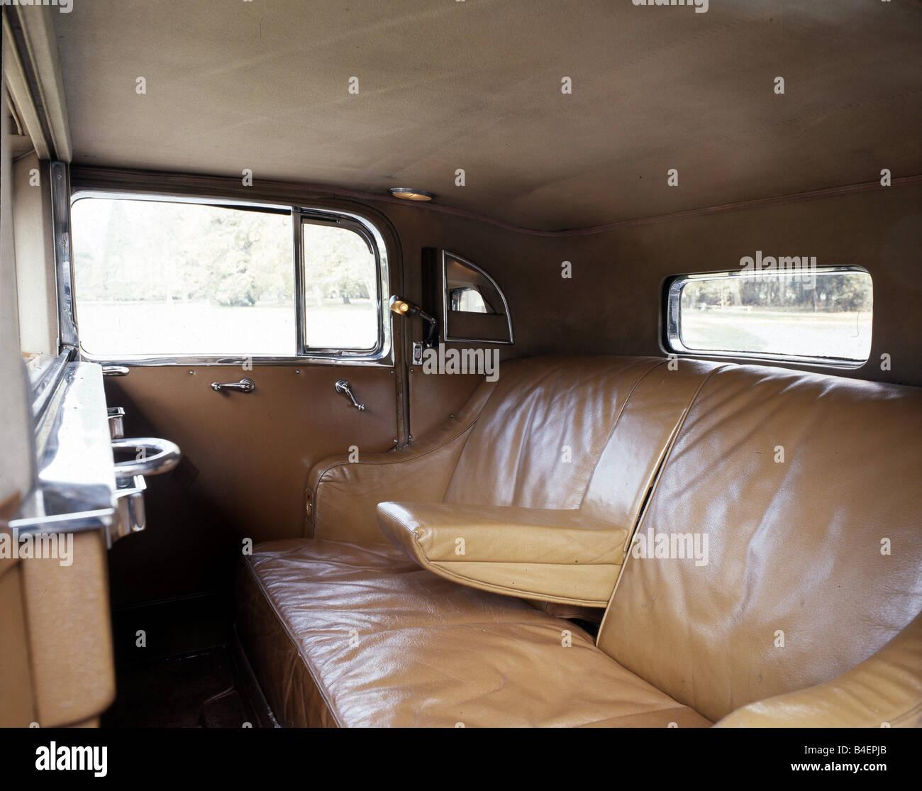 car rolls royce phantom iii model year 1936 1939 black sedan stock photo 19994083 alamy. Black Bedroom Furniture Sets. Home Design Ideas
