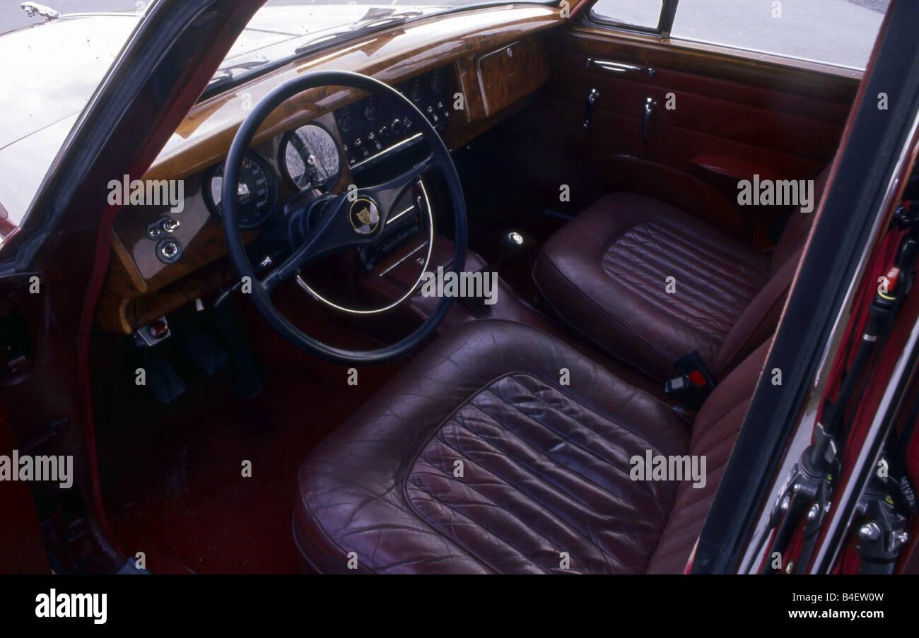 Jaguar XK 150 Coupé, model year 1957-1961, dark grey, interior, Cockpit, technics, technical, technically, accessory, Stock Photo