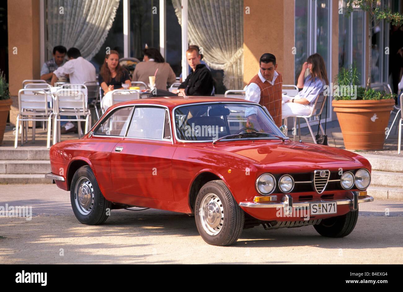 Vintage Alfa Romeo >> Car Alfa Romeo Gt Veloce 1750 Bertone Vintage Car Model
