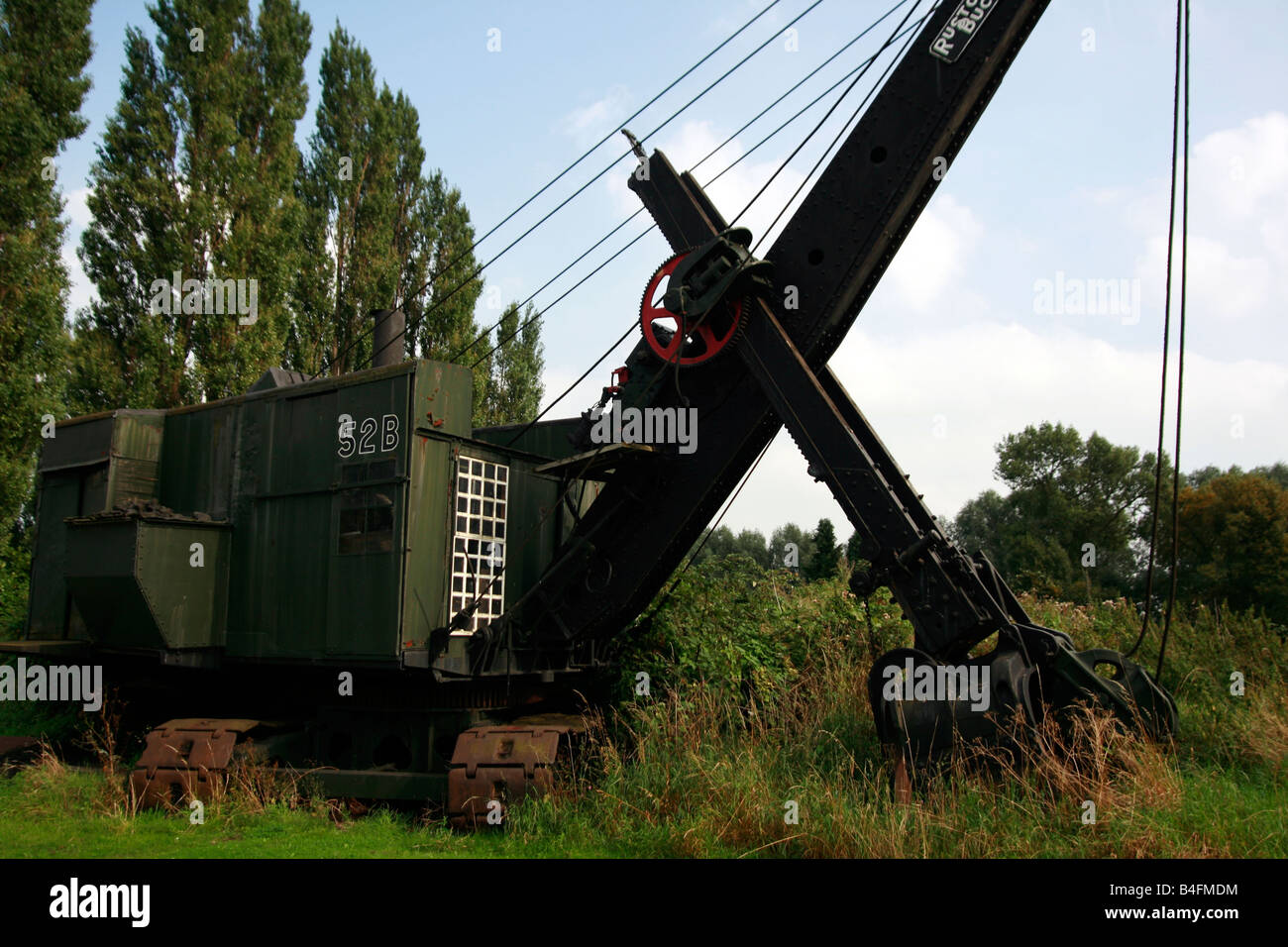 1935 52b steam quarry shovel Steam Shovel Supplied new by Ruston Bucyrus of Lincoln to Alpha Cement Limited of Oxford - Stock Image