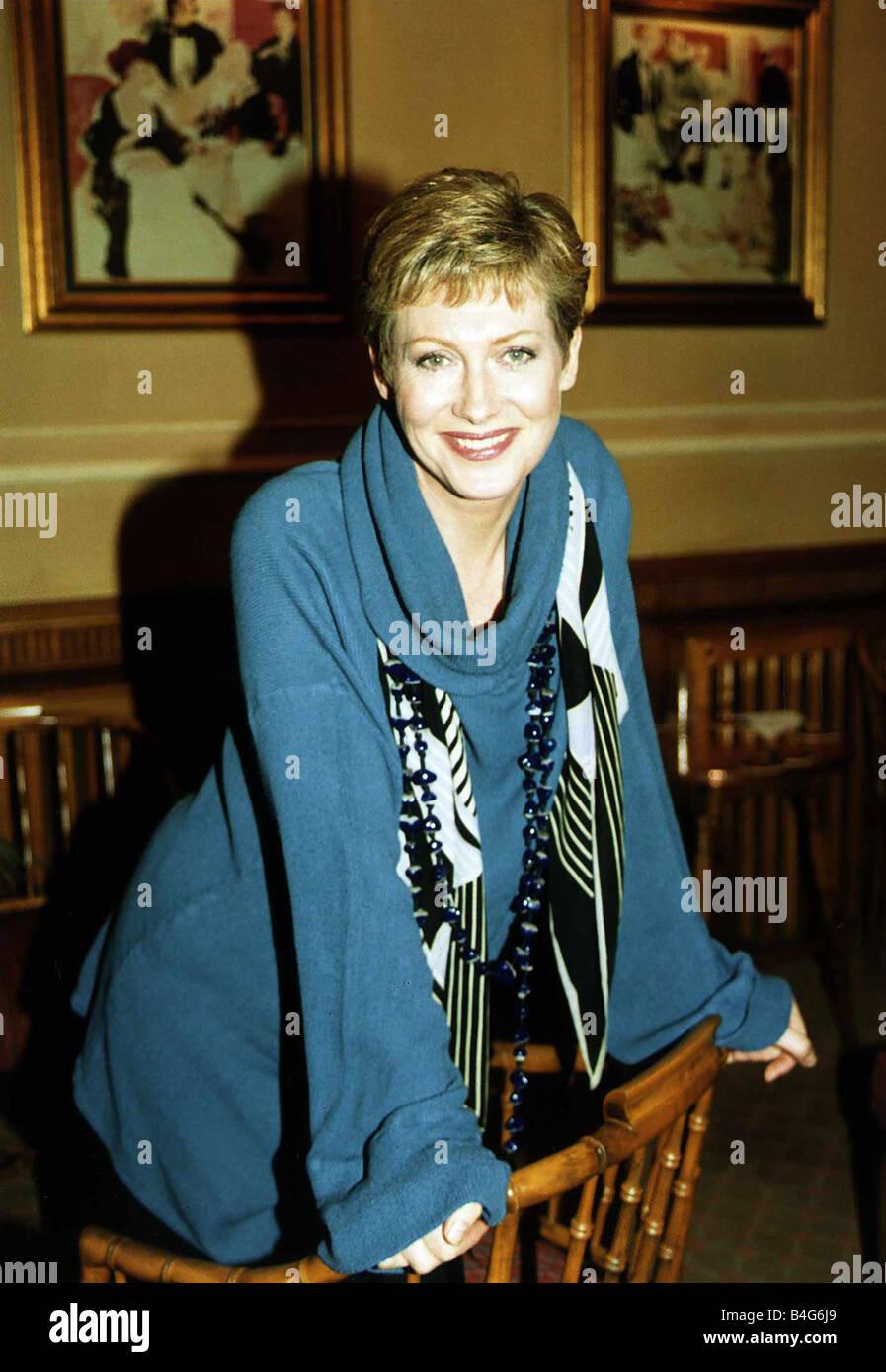 Karelle Tremblay,Atsuko Asano Sex fotos Susan Gordon,Barbra Streisand