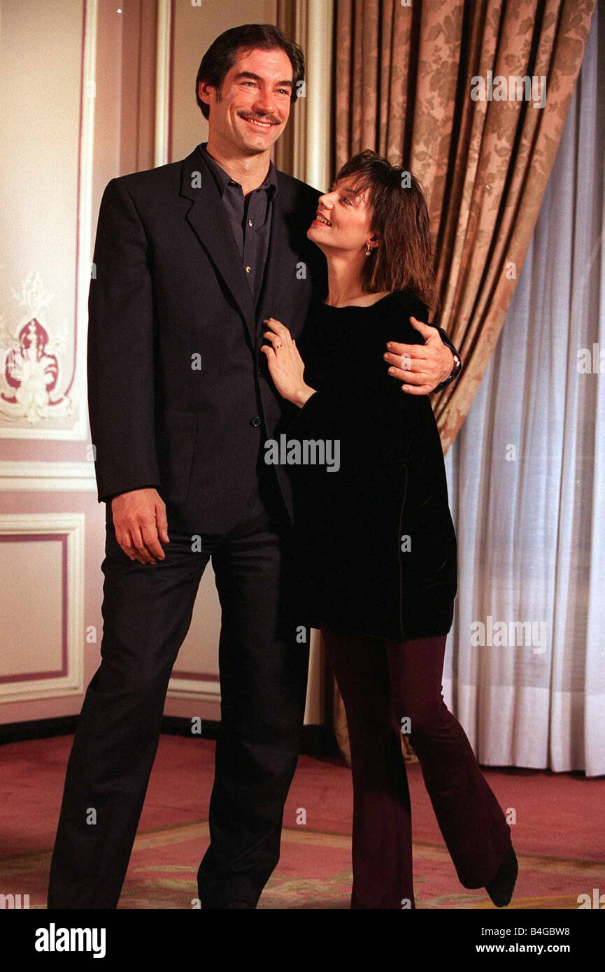Timothy Dalton Actor Joanne Whalley Kilmer Actress Who Are