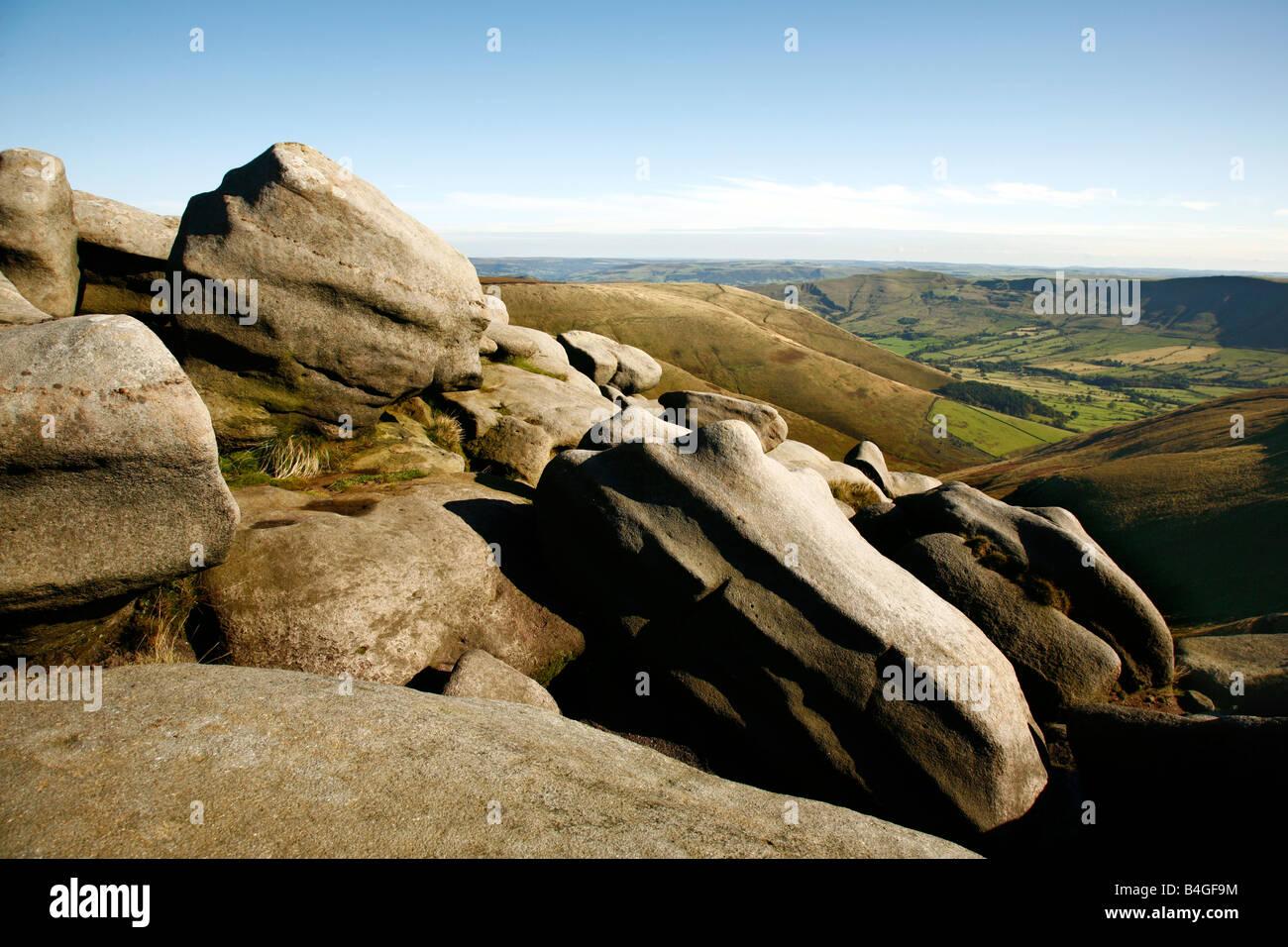 Grindsbrook head Rocks looking toward the vale of Edale - Stock Image