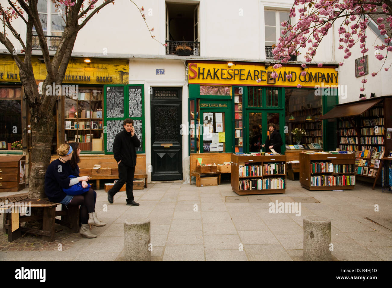 Shakespeare and Company Bookshop Left Bank Rive Gauche Paris France Europe - Stock Image