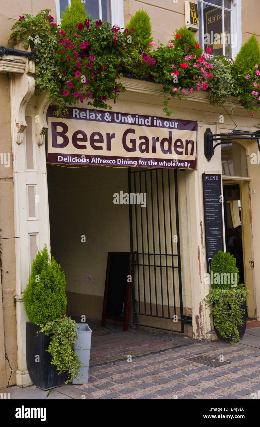 Garden Gate Pub Stock Photos & Garden Gate Pub Stock Images - Alamy