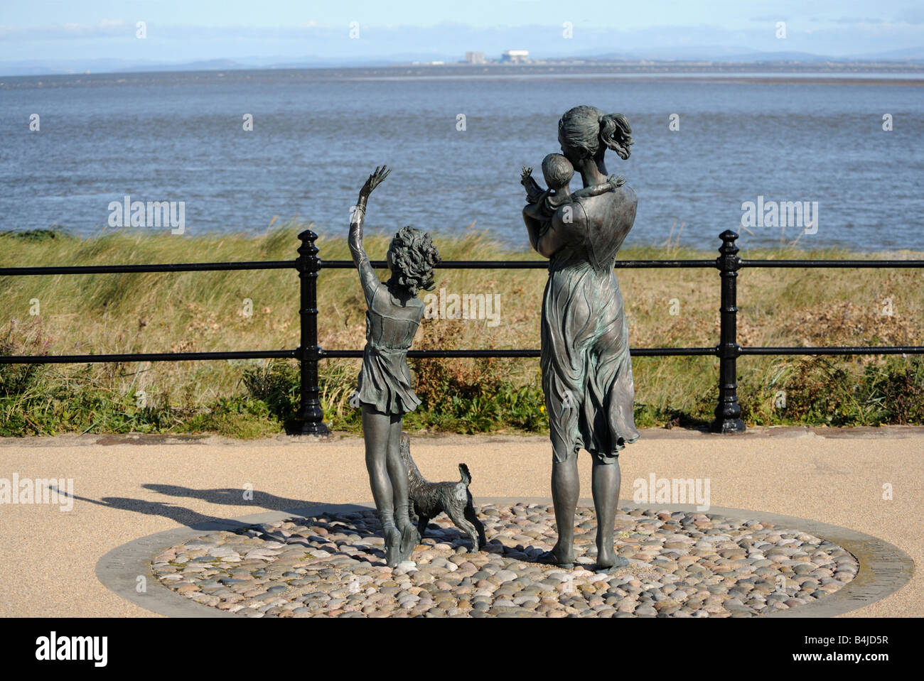 """""""Welcome home"""", sculpture by Anita Lafford. Fleetwood, Lancashire, England, United Kingdom, Europe. Stock Photo"""