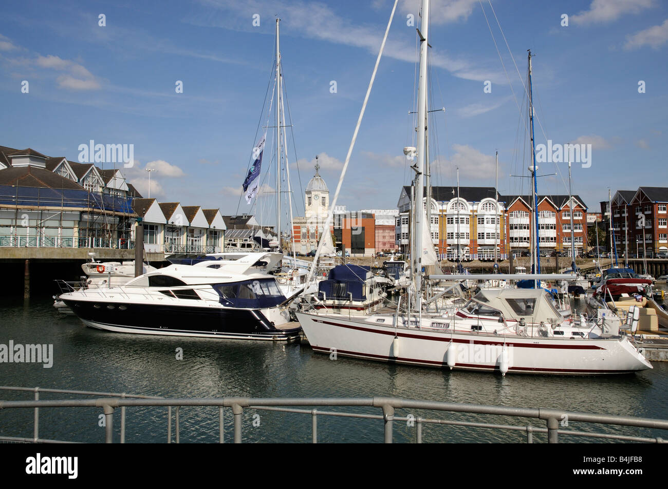 Town Quay Southampton England UK Waterfront development of housing boating marina - Stock Image