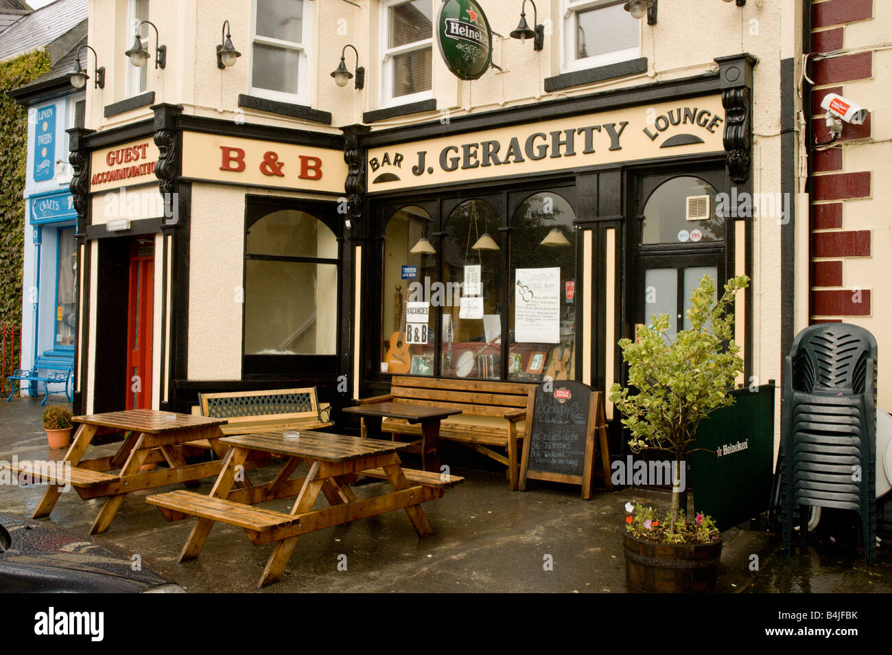 Geraghty's, a typical town centre bar in Westport, Co: Mayo, Ireland, - Stock Image
