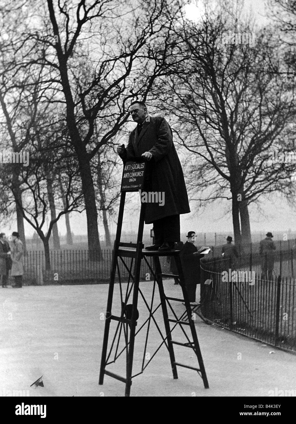 A speaker in Hyde Parks Speakers Corner who did not have a single listener circa 1930 - Stock Image