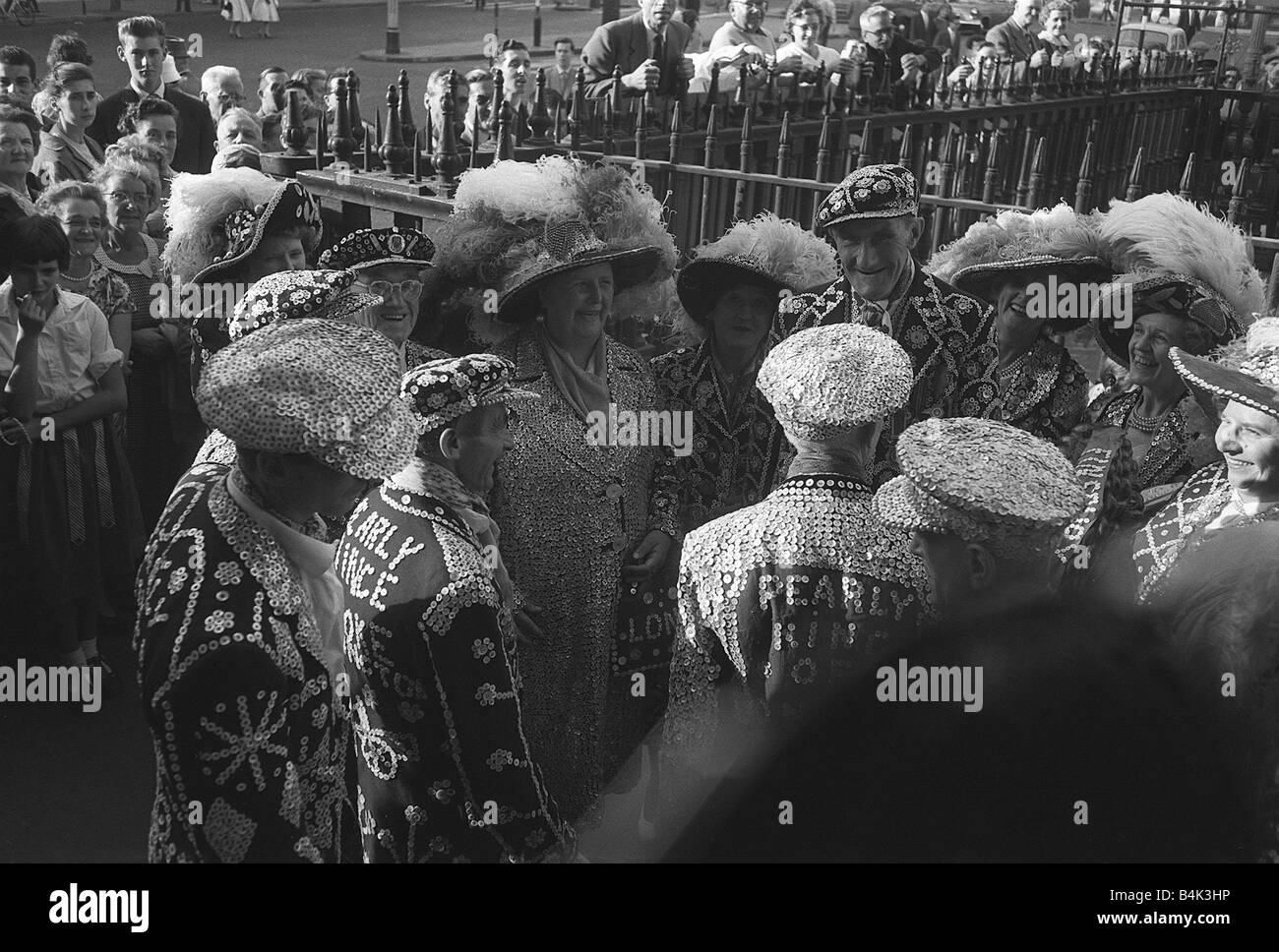 Pearly Kings and Queens Trafalgar Square London October 1958 Pearly King and Queen A collection of Pearly Kings - Stock Image