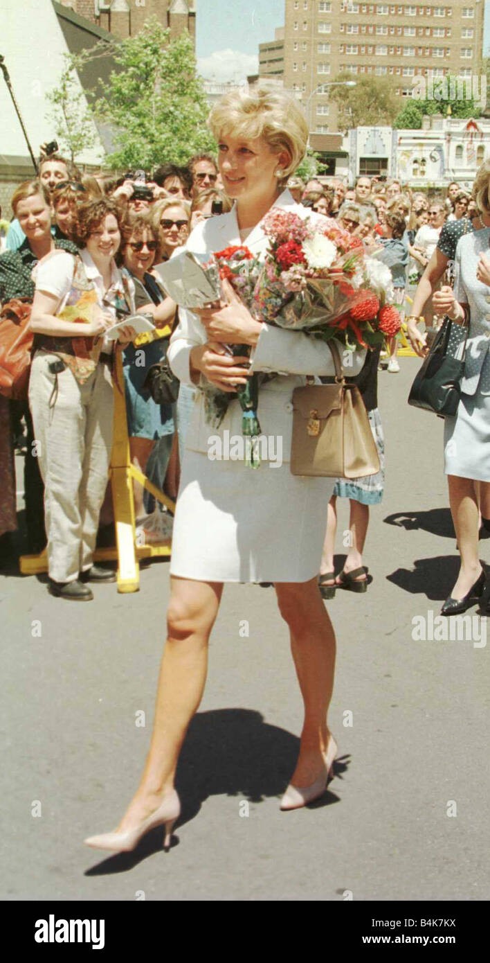 princess diana arrives at the sacred heart hospice in sydney 2nd stock photo alamy alamy