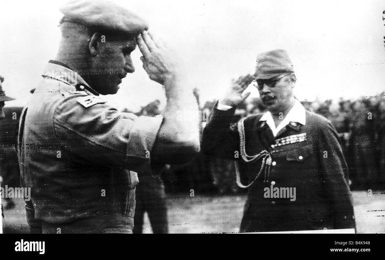 WW2 Japanese surrender Aug 1945 Two commanders salute each other at Mingaladon Airfield Stock Photo