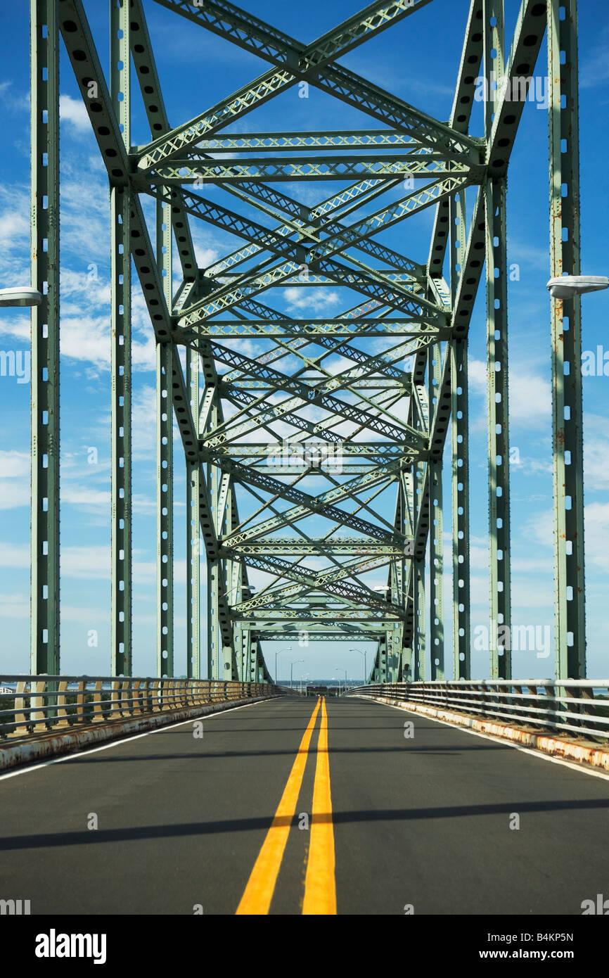BRIDGE, STEEL, OVERPASS, BEAM, METAL, OUTDOORS, PUBLIC, TRANSPORTATION, TRESTLE, BRIDGE, URBAN, SCENES, VEHICLE, - Stock Image