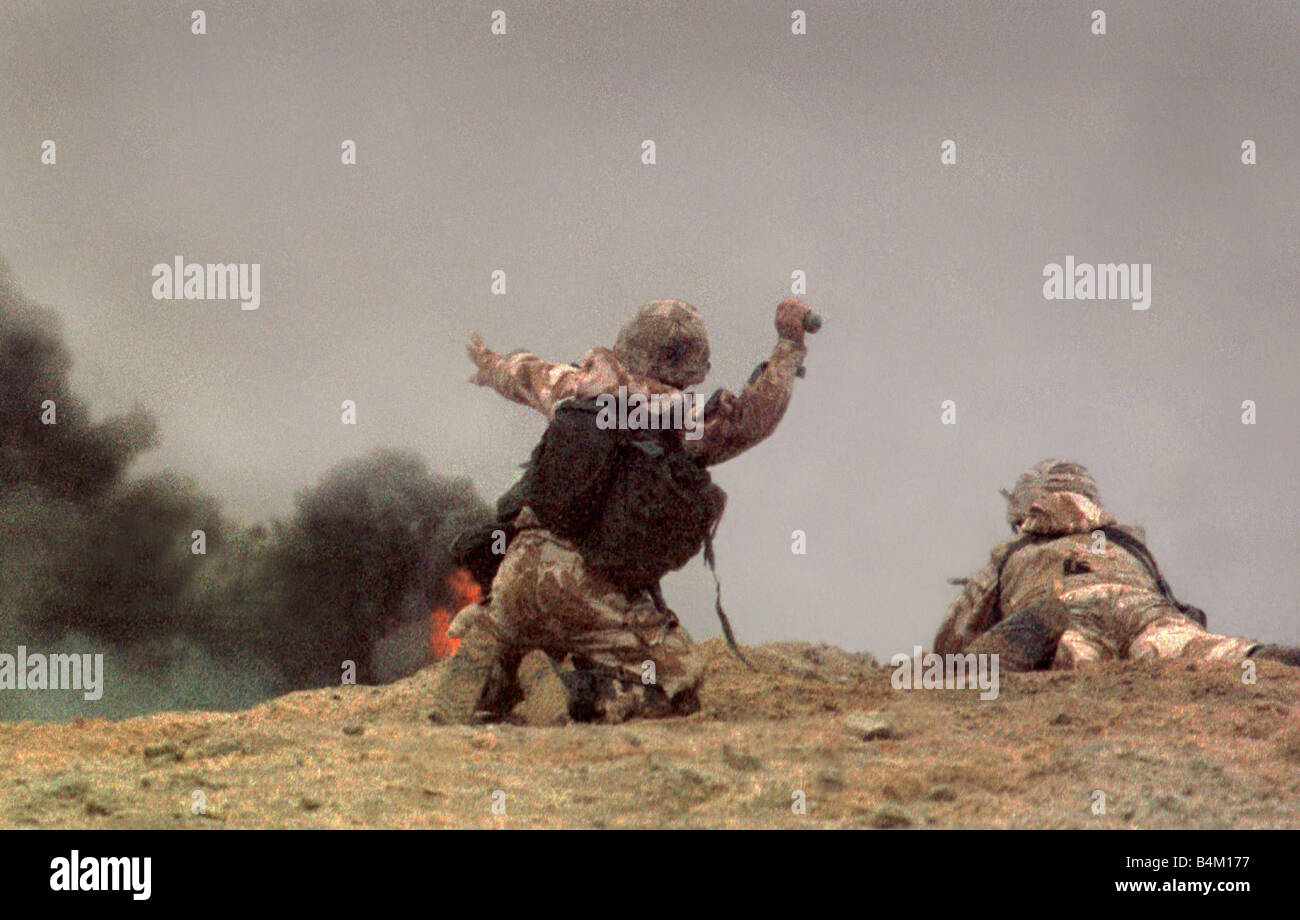 Gulf War British Army 1991 The only photographs showing ground troops in action 10 years ago in the Iraqi desert - Stock Image