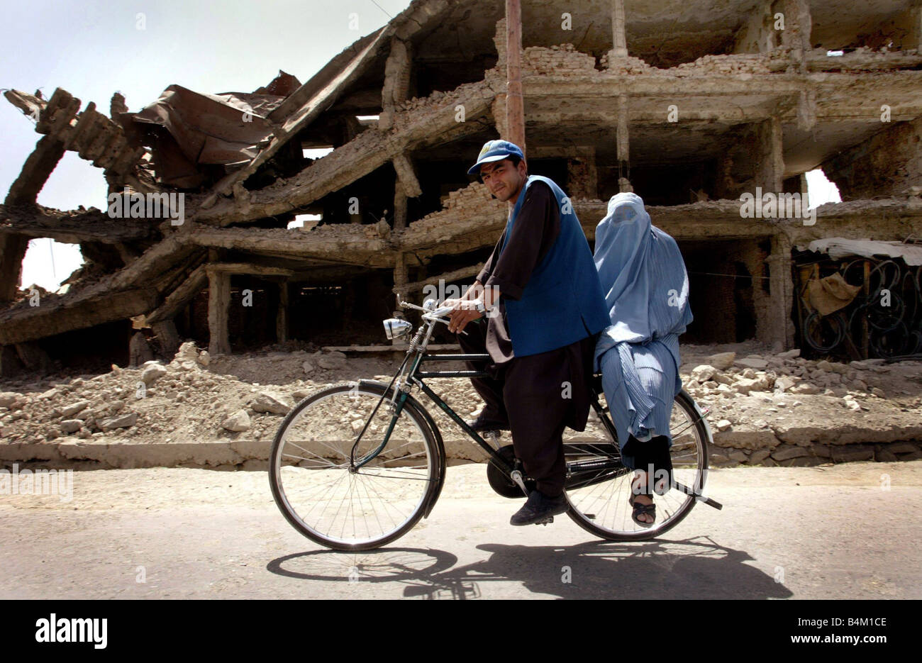 A year on from Sept 11th Life on the Frontline In the Kabul district of Kart e Char which was the frontline when - Stock Image