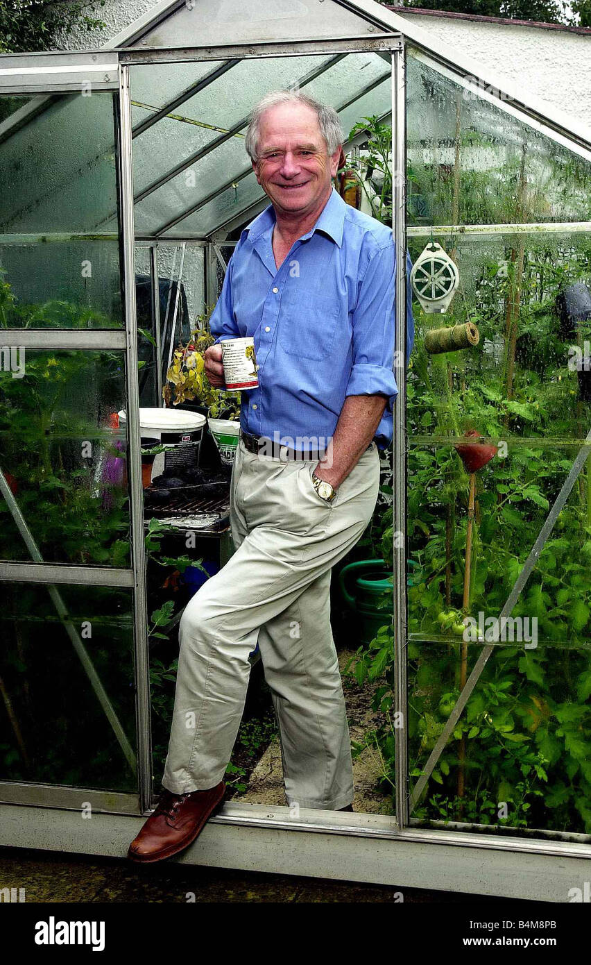 TV presenter Johnny Ball at his home in Buckinghamshire July 2002 - Stock Image