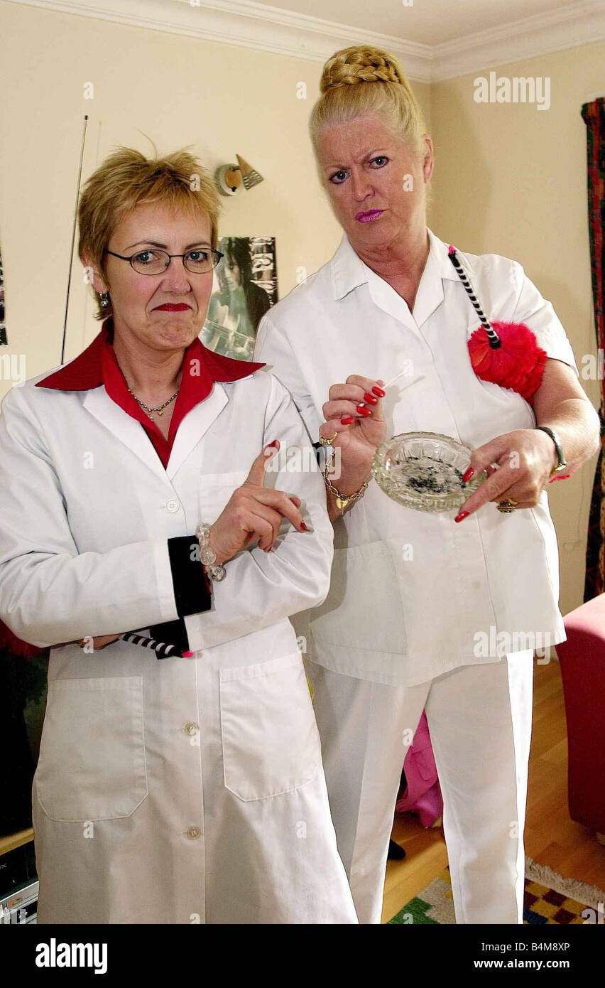 Aggie MacKenzine Kim Woodburn Right May 2003 stars of How Clean Is Your House TV Programme Television Programmes - Stock Image