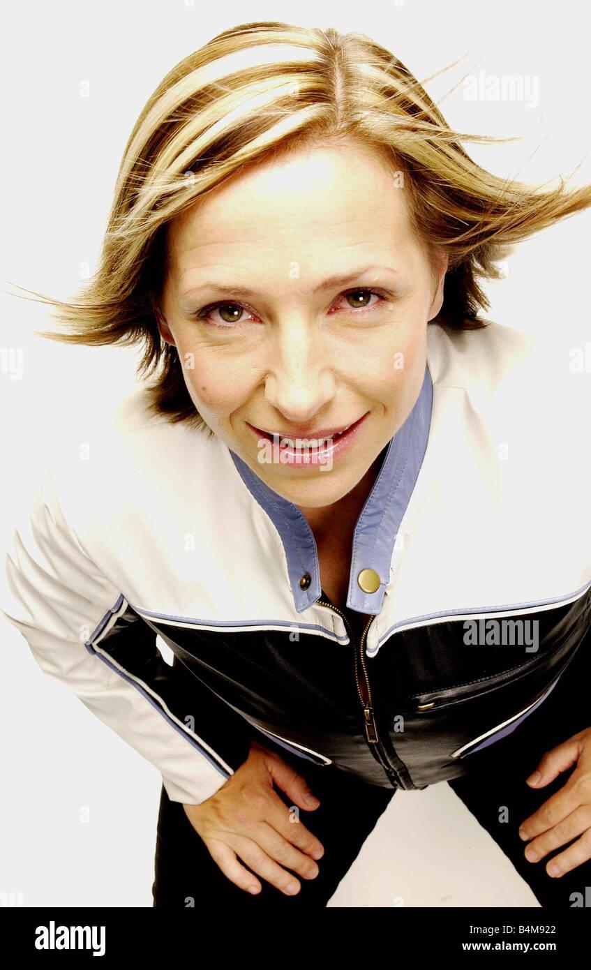 Lowri Turner July 2003 TV Presenter Studio Pix Mirrorpix - Stock Image