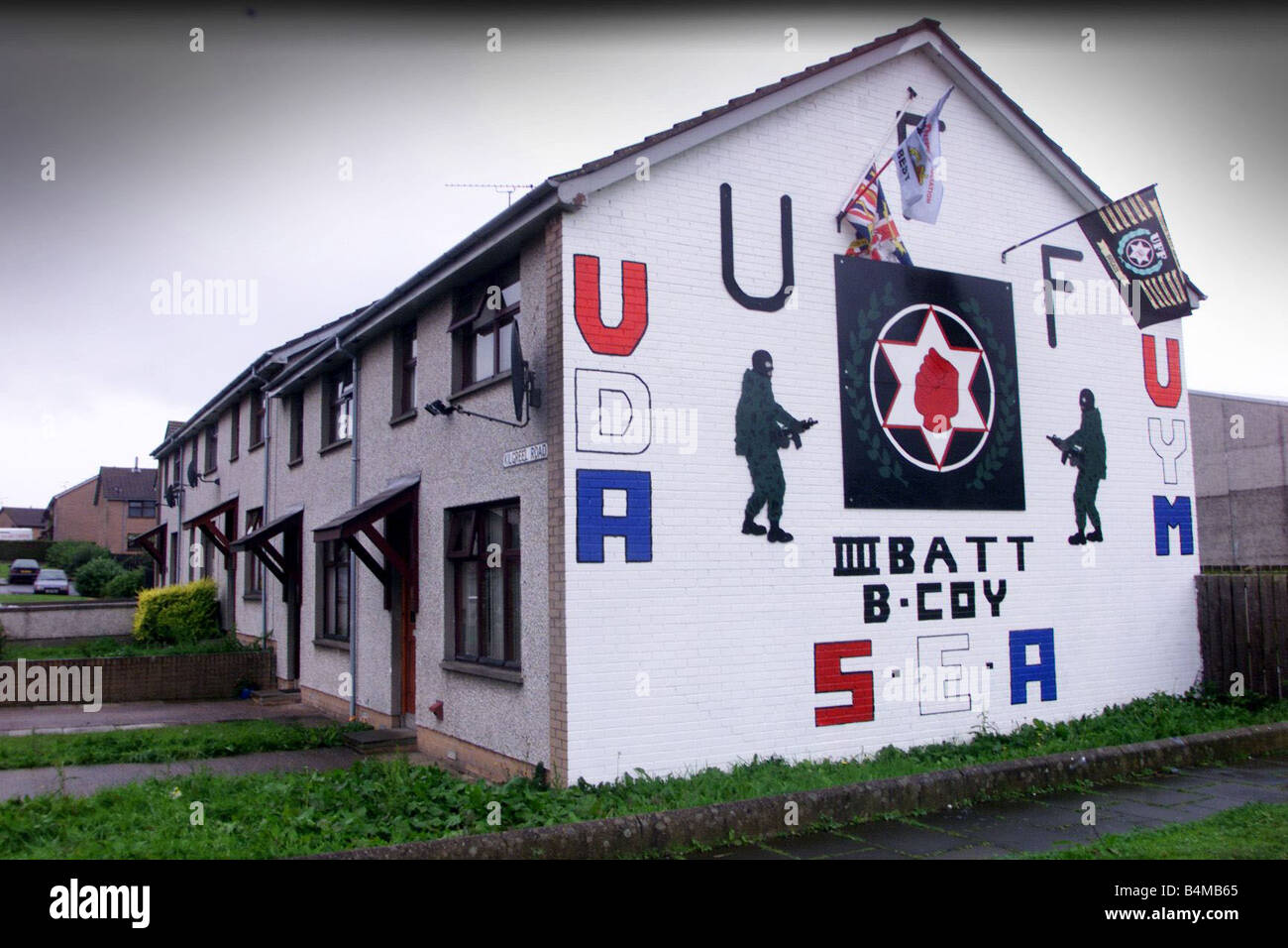 UDA Mural At The Parkhall Estate In Antrim September 2002 Stock Photo