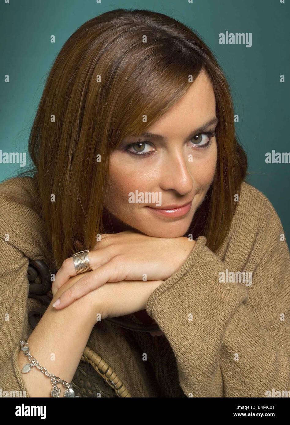 Suzi Perry June 2002 TV Presenter Studio Pix - Stock Image