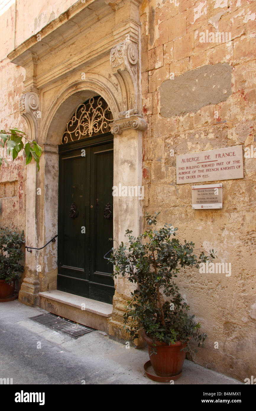 "The ""Auberge De France"" in Vittoriosa, Malta Stock Photo - Alamy"