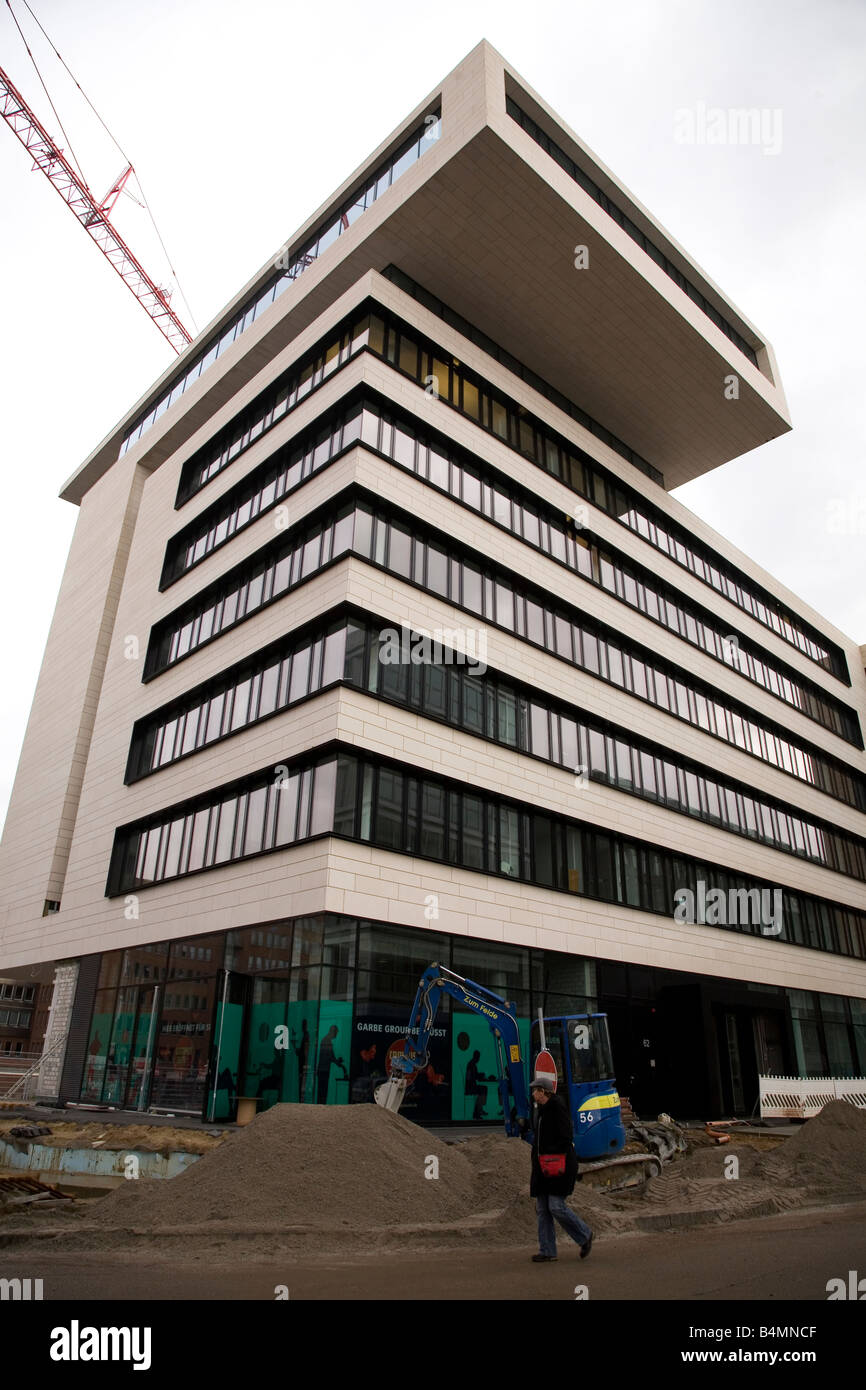 One of the new buildings construced in the Hafen City area of Hamburg, Germany. - Stock Image