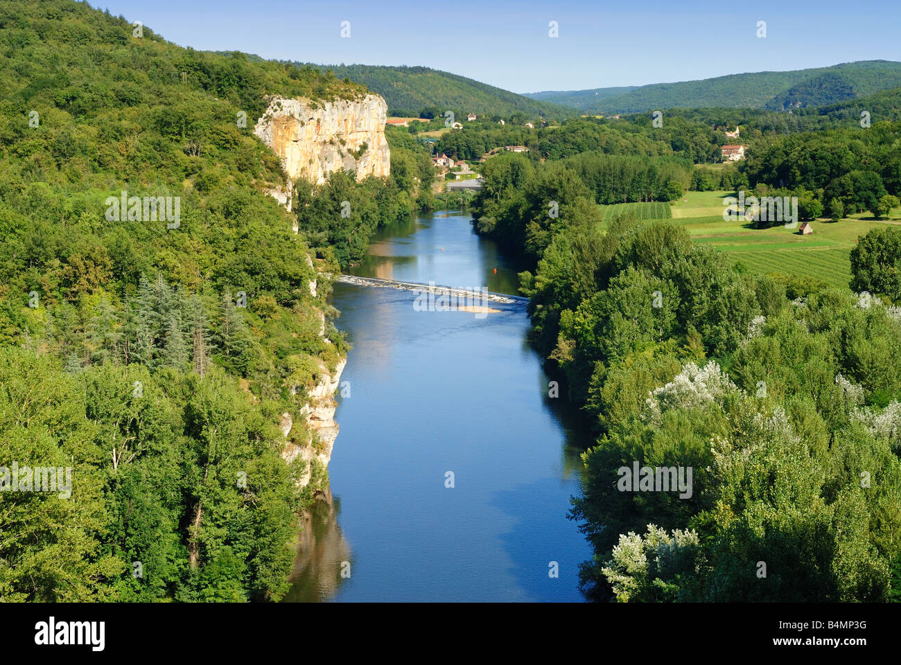 Elevated view of the River Lot between between Saint Cirq Lapopie and Bouziès, Midi Pyrénées, France Stock Photo