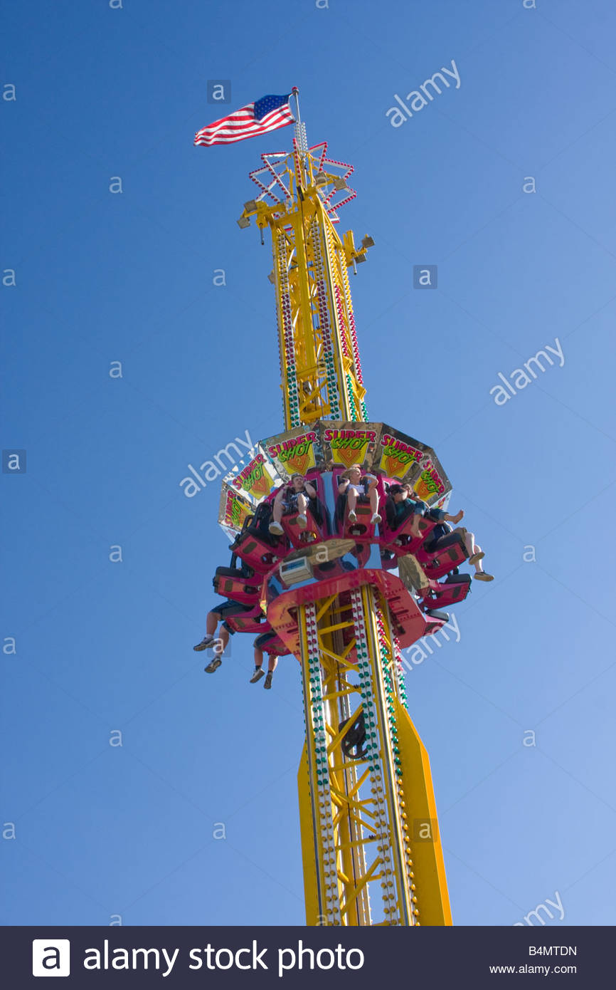 A plunge type adrenaline ride at the Spokane Interstate Fair. - Stock Image