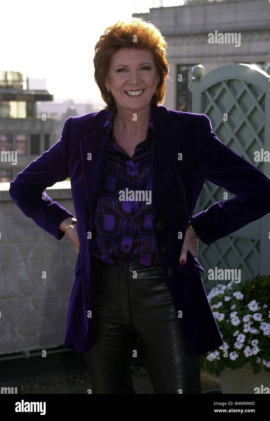Cilla Black November 2001 Tv Presenter Photocall To Launch New Series Of Blind Date In London