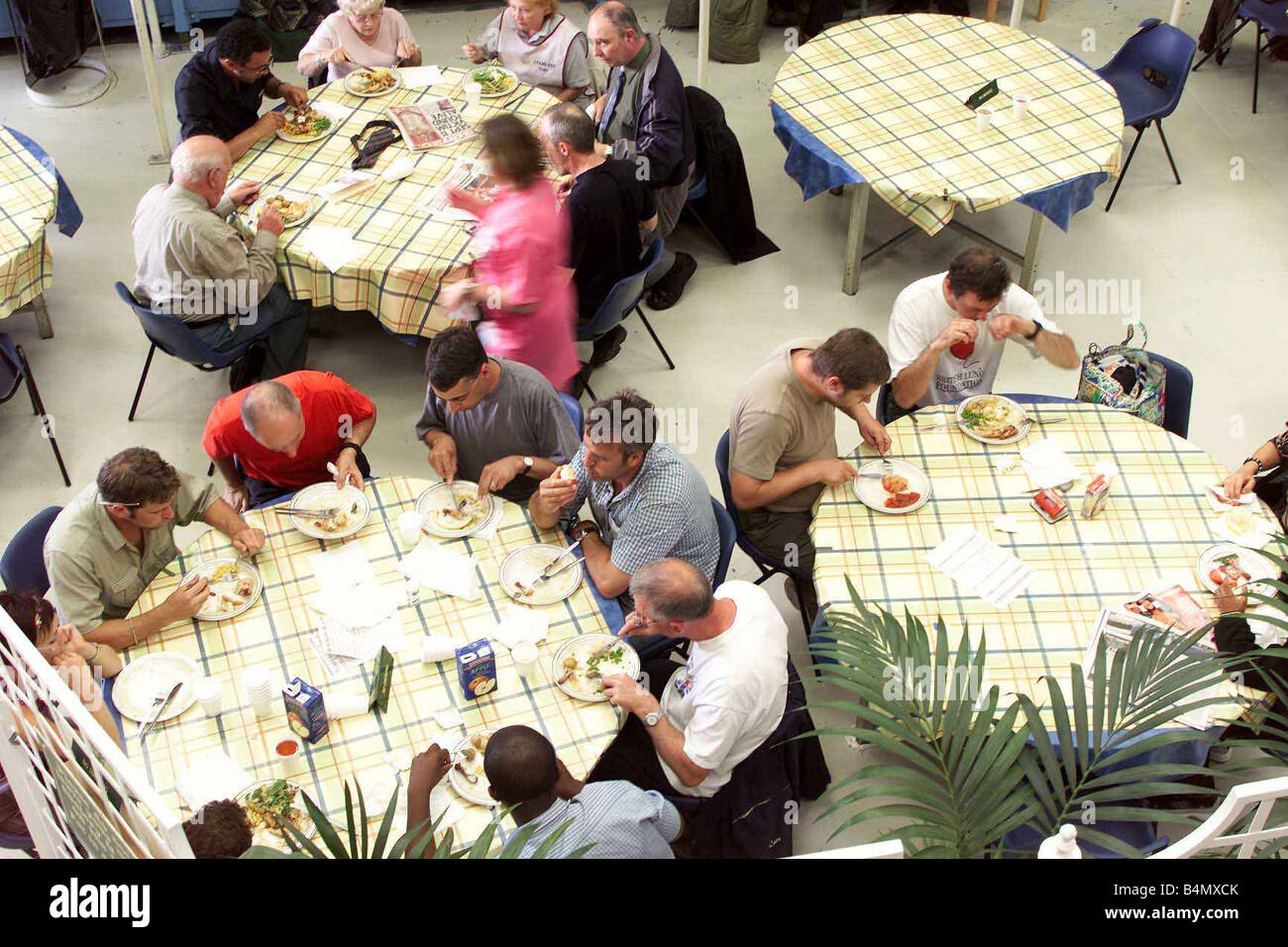 TV Programme Casualty August 2002 Behind the scenes at Casualty Stock Photo
