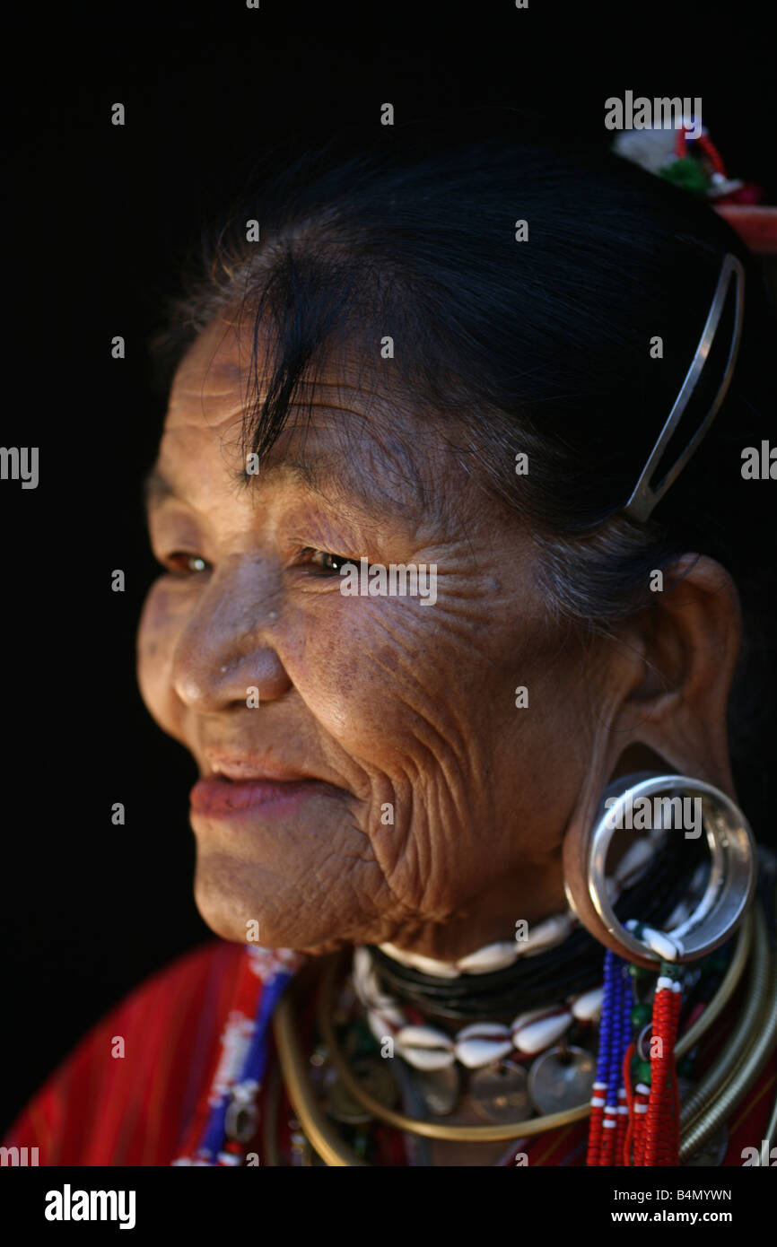 Closeup of an elderly Longneck woman Approximately 300 Burmese refugees in Thailand are members of the indigenous Stock Photo