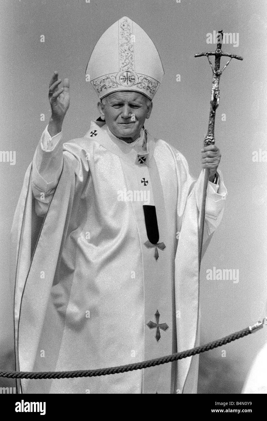 Pope John Paul II at Cardiff airport on his visit to Wales Stock Photo