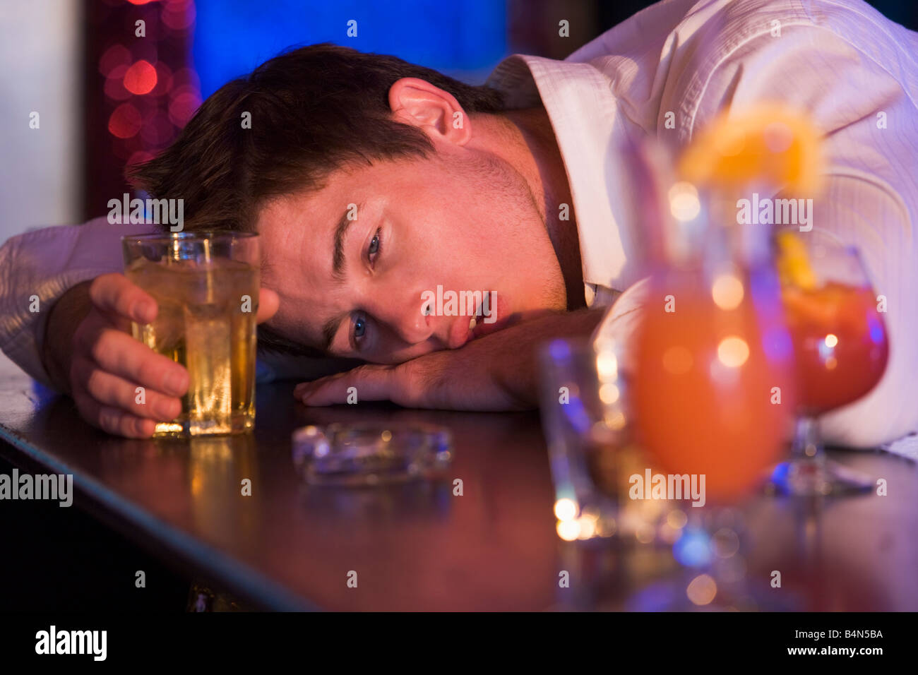 Drunk Alamy Bar Man Photo Out Passed Stock - Young In 20134222