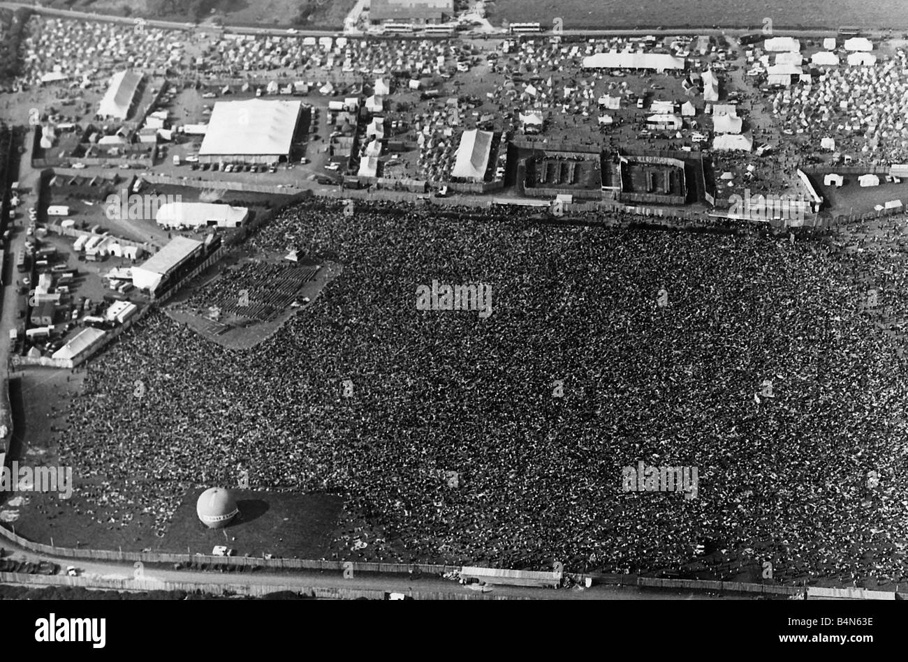Isle Of Wight Festival 1970 Black And White Stock Photos Images Alamy