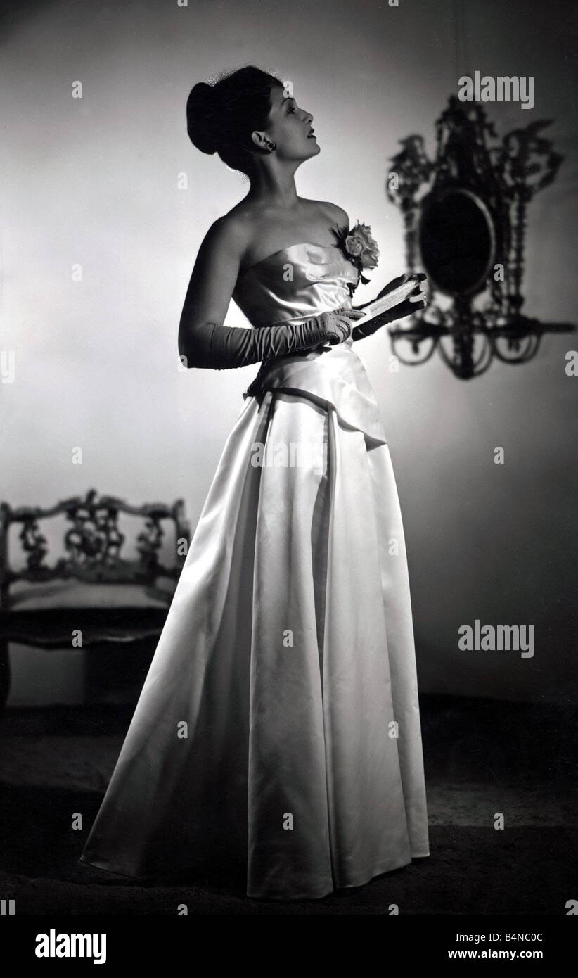Evening Gown 1940s Stock Photos & Evening Gown 1940s Stock Images ...