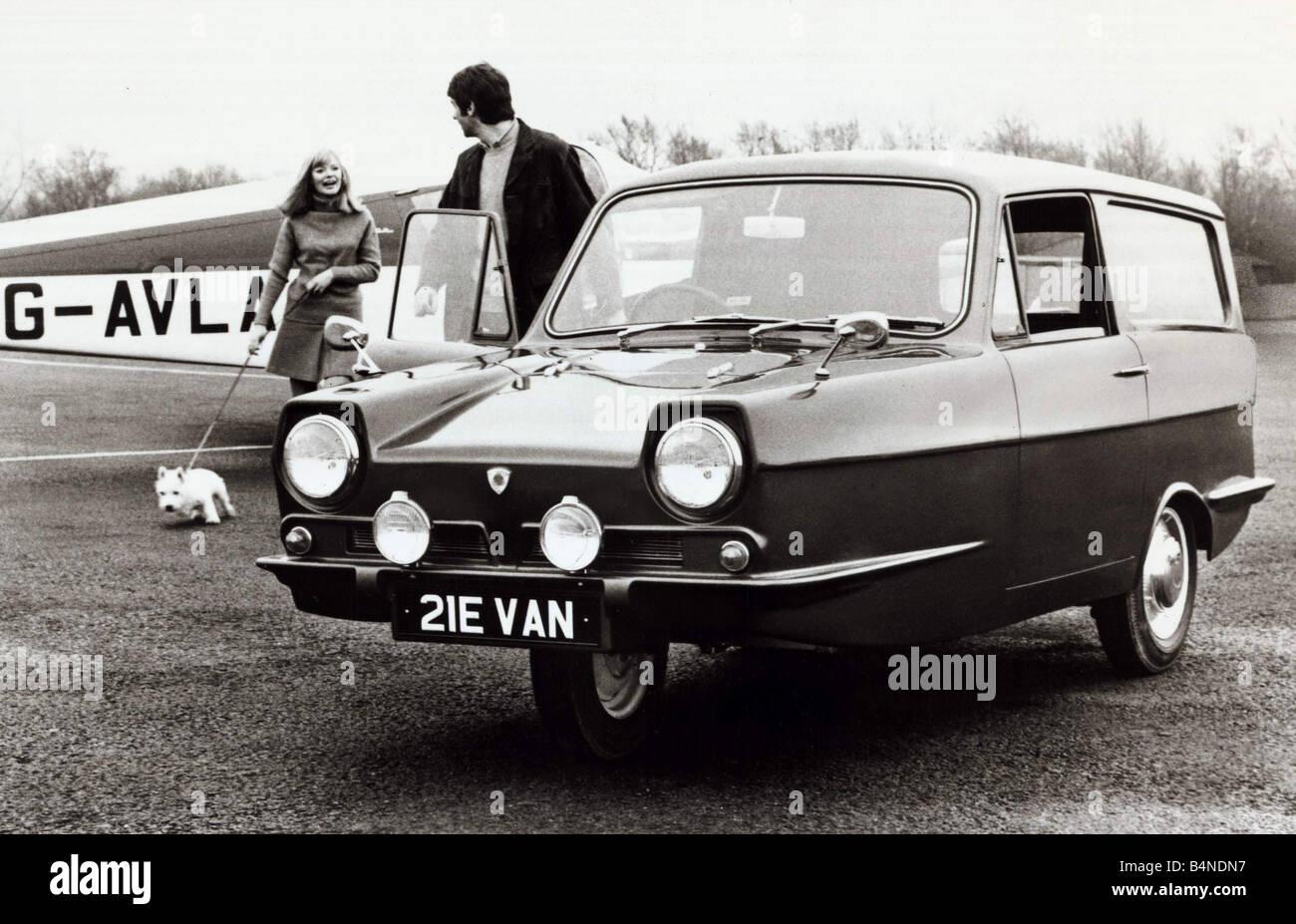 Reliant 21E Supervan 700cc Motor Car Robin Reliant circa 1985 - Stock Image