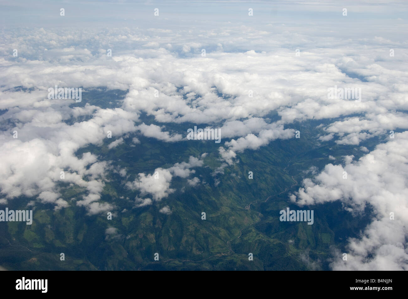 fly flying over overfly overflying Ecuador Equador landscape forest rain forest Overview birds eye view bird s bird´s - Stock Image