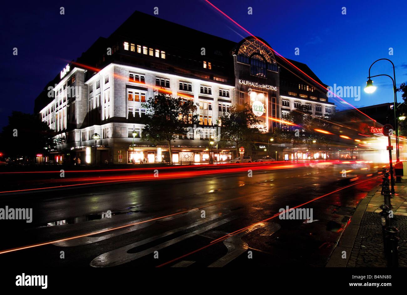 berlin, KaDeWe, Kudamm, night - Stock Image