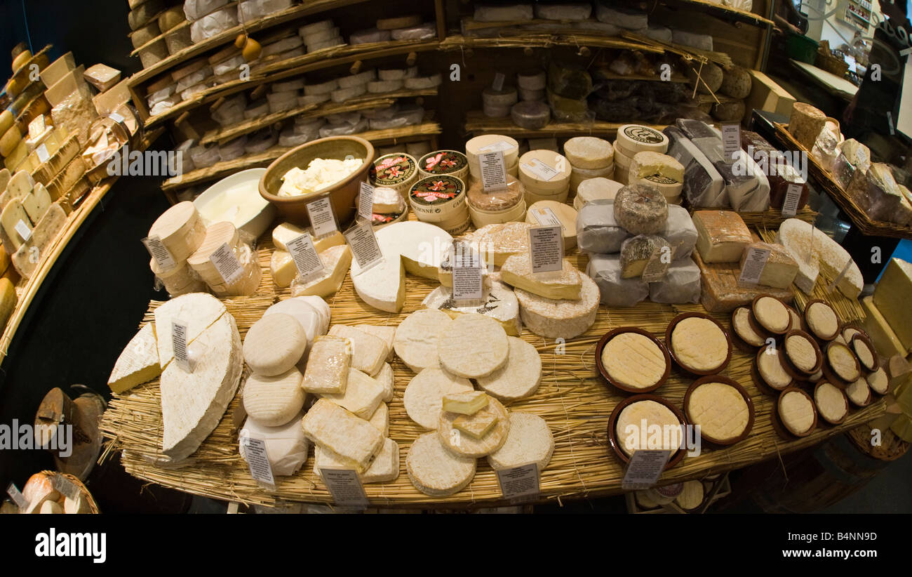 'La Fromagerie' cheese shop, Marylebone, London - Stock Image