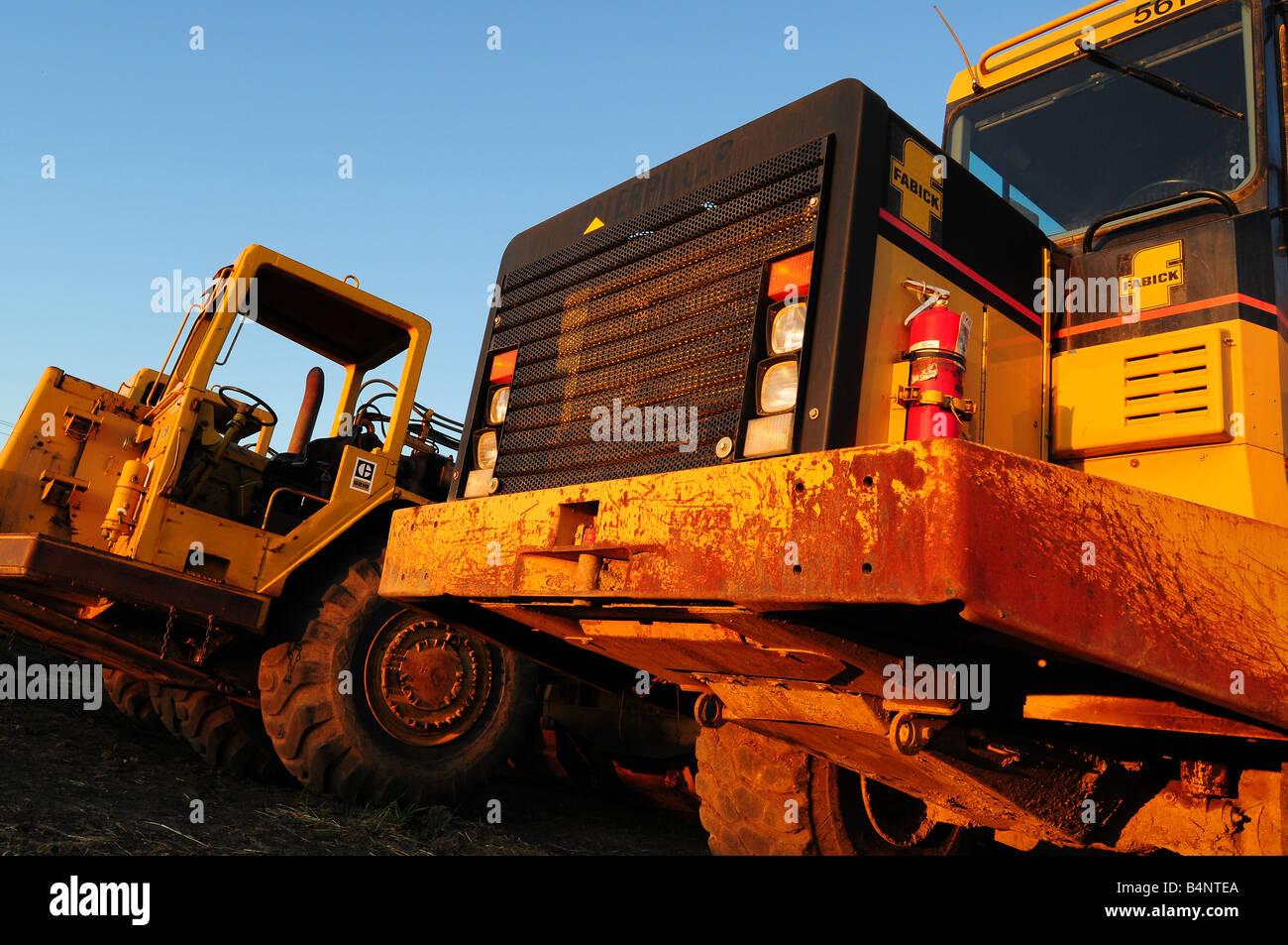 Cat or Caterpillar scraper earth mover - Stock Image