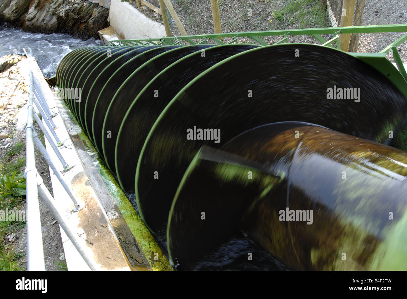 Archemedies Screw Hydro Power station at Dart Valley Courntry Park South Devon England - Stock Image