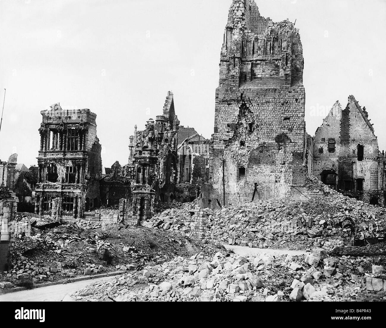 ruins of the hotel de ville in arras after german bombing during stock photo 20170083 alamy. Black Bedroom Furniture Sets. Home Design Ideas
