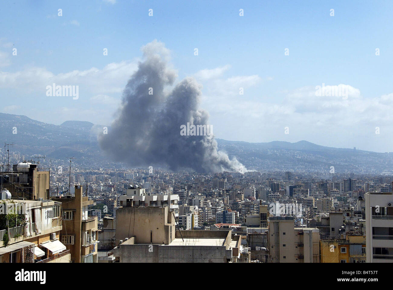 Beirut The conflict between Israel and Hezbollah forces shows no signs of stopping as smoke rises over the Beirut - Stock Image