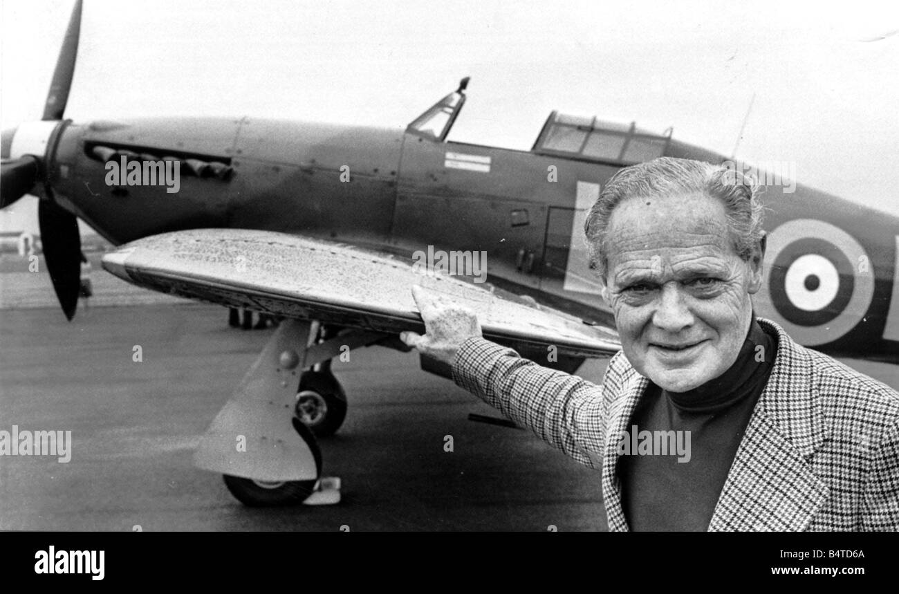War World War II RAF Battle of Britain Tin Legs Group Captain Douglas Bader pictured with a Hurricane fighter after - Stock Image