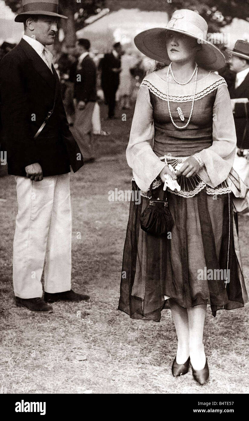 Ascot Fashion August 1926 Lady dressed for Ascot races Mirrorpix - Stock Image