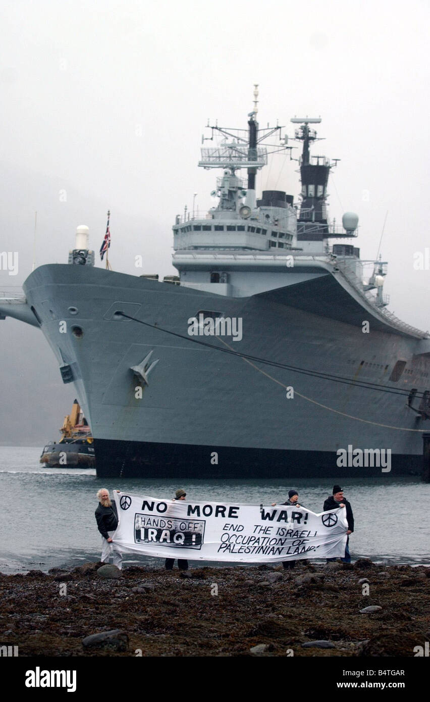 CND protest at HMS ARK ROYAL January 2003 IN LOCH LONG GLEN MALIN GLEN DOUGLAS ARMAMENTS DEPOT BEFORE GOING ON DEPLOYMENT - Stock Image