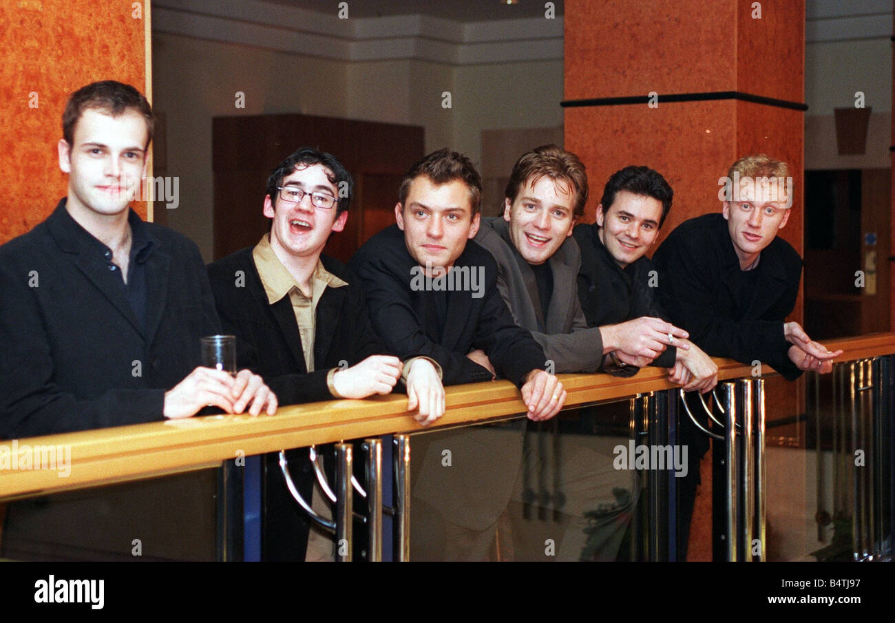 Lee law stock photos lee law stock images alamy ewan mcgregor with brat pack including jonny lee miller iain robertson jude law steven duffy kevin thecheapjerseys Image collections