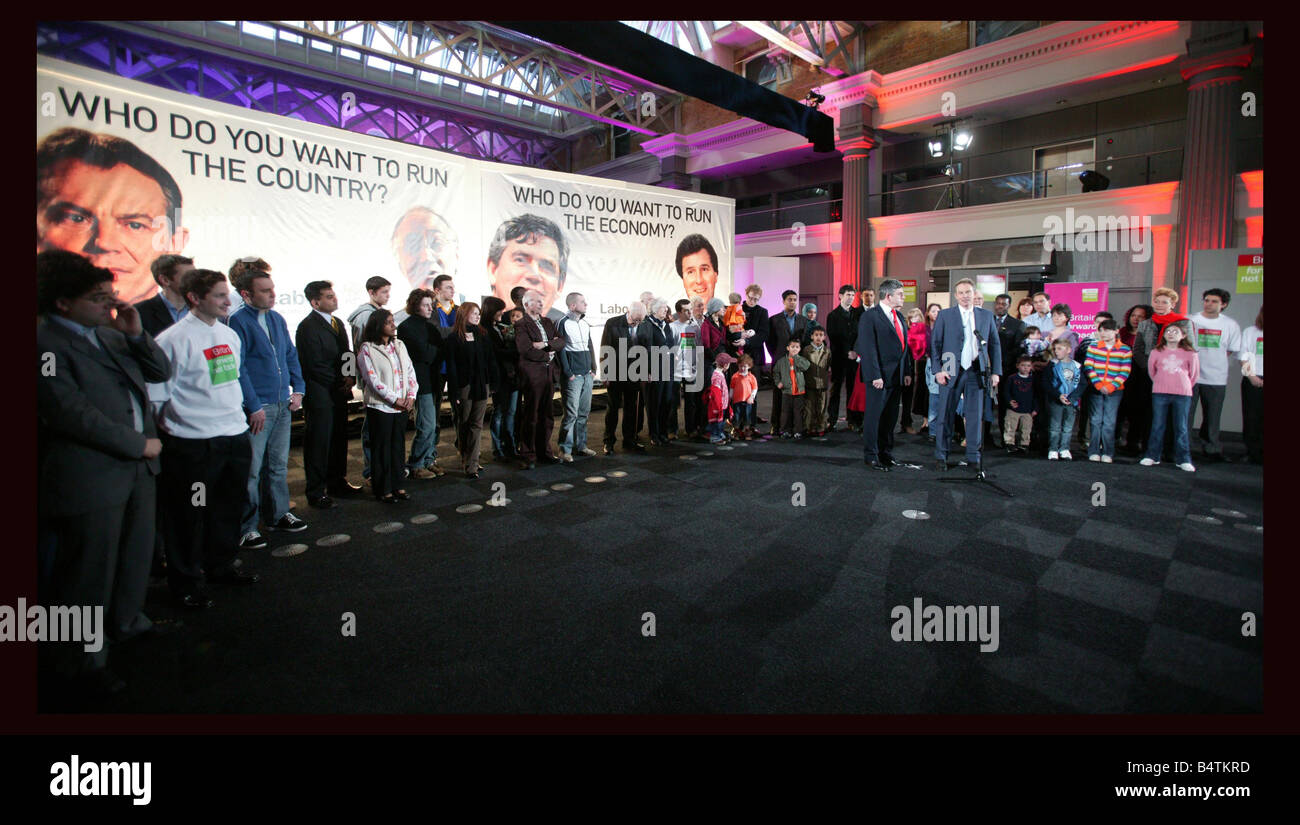 Thursday 7 April 2005 Old Billingsgate Market London At a poster launch this morning the Prime Minister Tony Blair Stock Photo