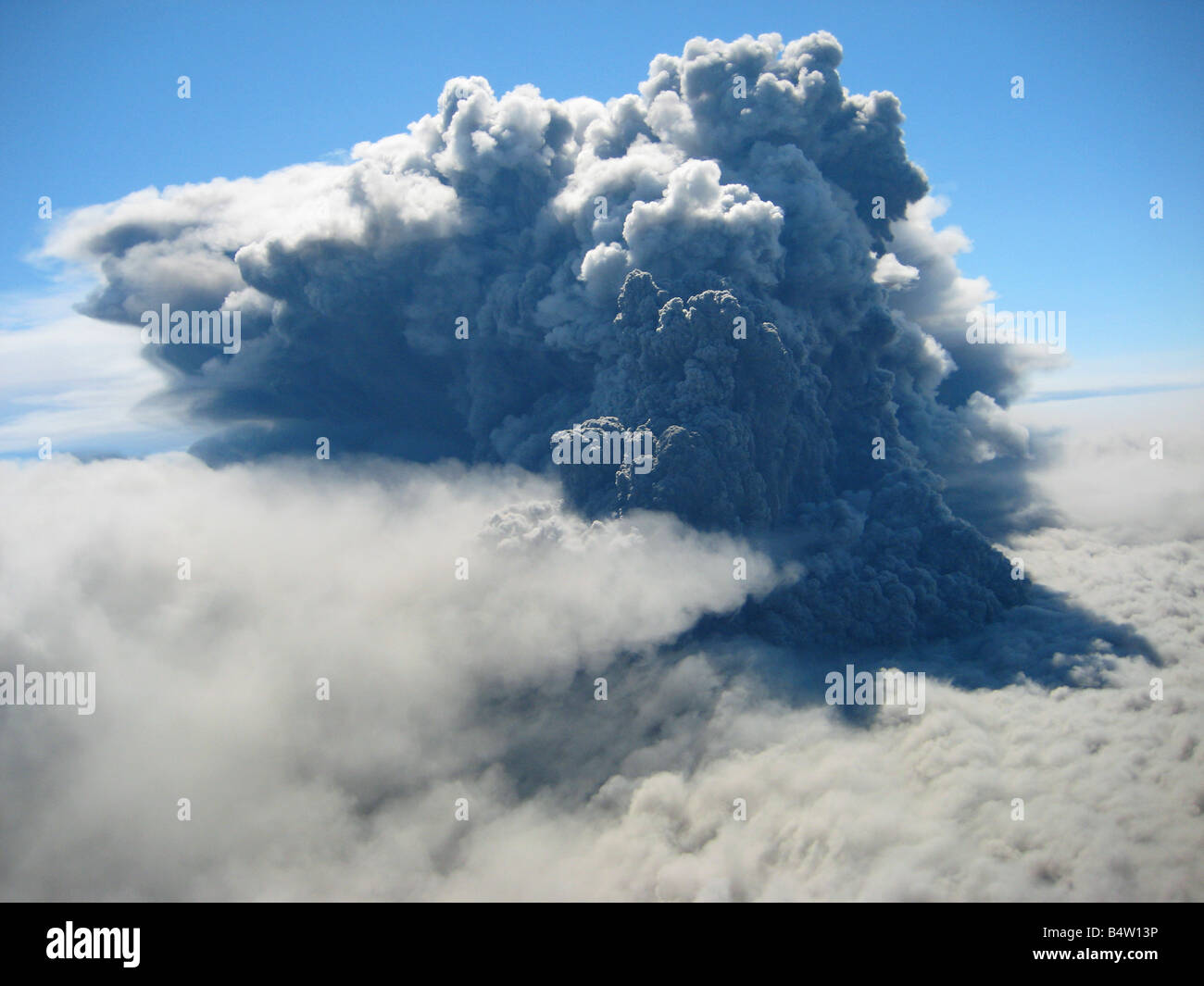 Eruption plume from Okmok Volcano, Alaska - Stock Image